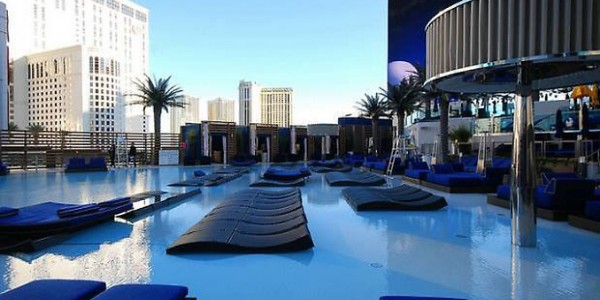 A winner of Travel & Leisure's IT List for Best New Hotels of , the Cosmopolitan of Las Vegas is a sprawling resort on The Strip, with 3, guestrooms spread across 52 floors and 2 towers.