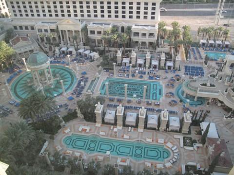 Best pools in las vegas top pools for Caesars swimming pool