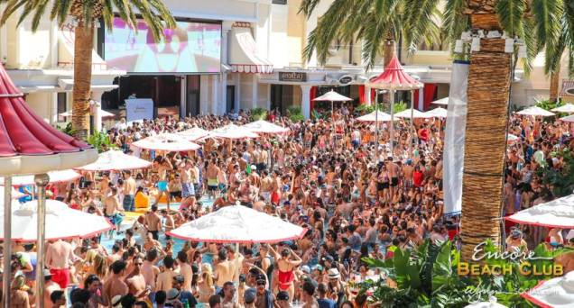 Best vegas pool parties for 2016 for Pool show las vegas 2015