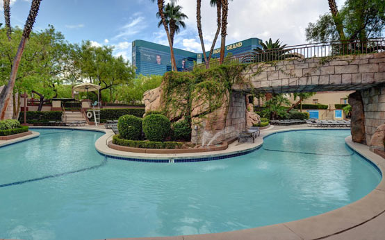Perfect Hotel Pools Las Vegas