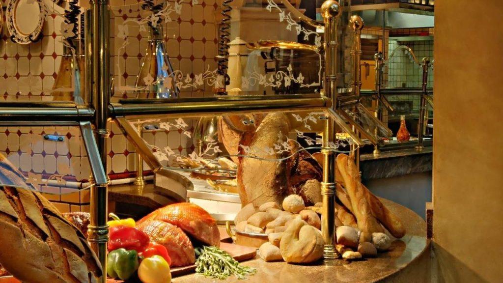 Le Village Buffet Menu and Food