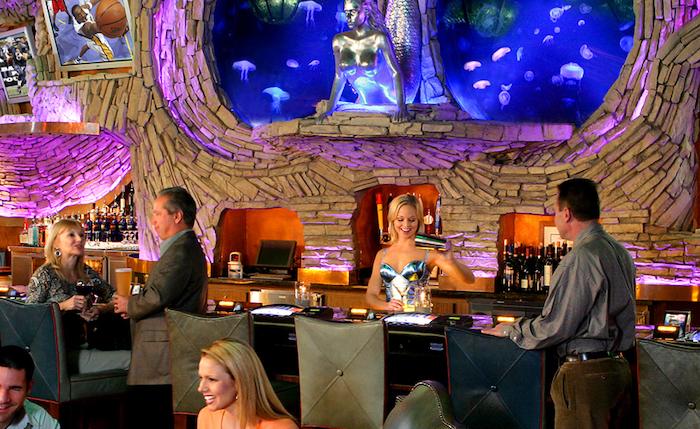 Diners enjoying the Mermaid Lounge