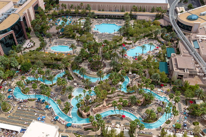 Best Pools In Las Vegas Lazy River And Wave Pools Top Pools 2021