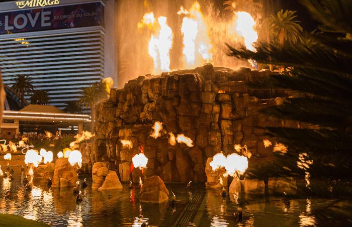 Las vegas mirage volcano show