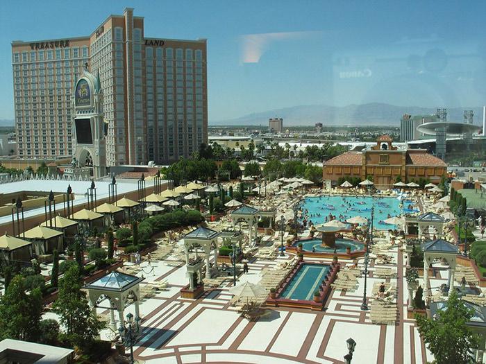 Vegas Venetian pool
