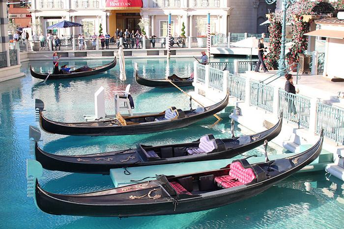 Gondola rides vegas prices hours